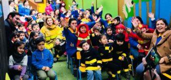 Alumnos de la Escuela de Lenguaje Rayito de Luz realizaron homenaje por el día del Bombero