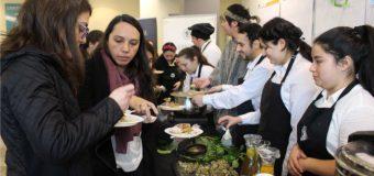 """Santo Tomás de Valdivia celebró el """"Wetripantu"""" con muestra de comida mapuche"""