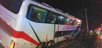 Accidente en Pucura: Conductor perdió una extremidad y auxiliar se mantiene grave