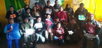 Vecinos de Trafún en Liquiñe aprenden a procesar la avellana con apoyo de empresa privada