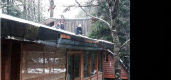 Inflamación en una chimenea llevó a Bomberos hasta uno de los Hoteles en Huilo Huilo