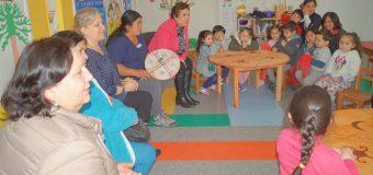 Destacan proyecto que refuerza la lengua y cultura mapuche en alumnos de jardín infantil de Panguipulli