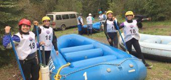Con apoyo de privados, club de Panguipulli concreta participación en binacional de rafting en Pucón