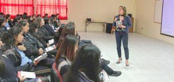 En Liceo local, Seremi Fehrmann dictó charla para prevenir violencia en el pololeo