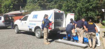 Mujer hallada muerta en Liquiñe tenía 26 heridas cortantes. Esposo se habría quitado la vida