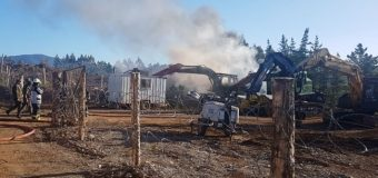 Carabineros frustra ataque incendiario de encapuchados en Lanco
