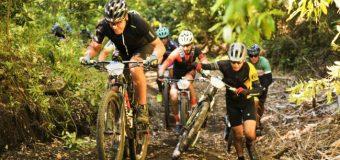 """""""Pozo de Oro"""" en lago Pirehueico fue el destino del Transandes Challenge en su tercer día"""