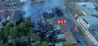 Devastador incendio destruyó 8 viviendas y 12 locales en Panguipulli