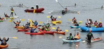 """Alrededor de 40 embarcaciones participaron de actividad convocada por """"Lago Limpio"""""""