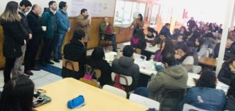 Descartan modificar malla curricular en establecimientos públicos de la comuna