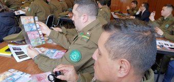 Carabineros de la zona se capacitan en detección de billetes falsos
