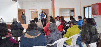 Enseñan a comunidades de Liquiñe y Trafún a utilizar mejor el agua y la energía