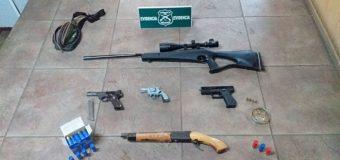 Armas, especies robadas y droga: Control vehicular en Panguipulli deja dos detenidos