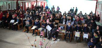 Escuela Pampa Ñancul reconoció a niños que aprendieron a leer, con buenas notas y por su esfuerzo