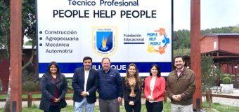 Liceo Bicentenario PHP Pullinque firma convenio con Liceo del Ñuble por el rubro vinícola