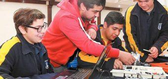 Estudiantes del Liceo Bicentenario PHP Pullinque destacaron en Torneo de Robótica en Osorno