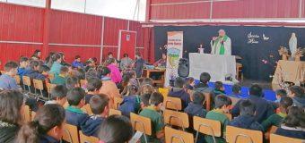 Organizaron misa para Estudiantes en Escuela Particular Pampa Ñancul
