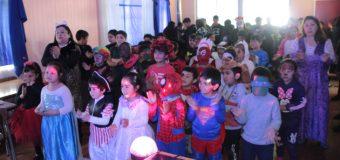 """Disfraces y charla motivacional: Escuela Pampa Ñancul refuerza valores con """"Fiesta de la Luz"""""""