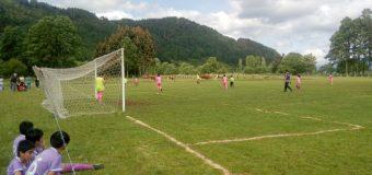 Liga Campesina de Panguipulli juega su torneo infantil mixto en las canchas de la zona