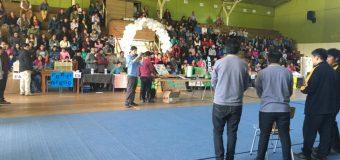 Comunidad educativa del Liceo Bicentenario PHP Pullinque realizó nueva Feria de Emprendimiento