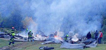 Realizan campaña para familia que perdió vivienda en incendio en Liquiñe