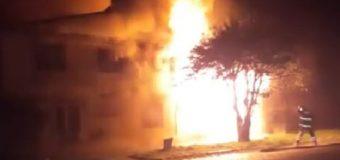 Incendio en Lican Ray dejó a un adulto mayor con quemaduras