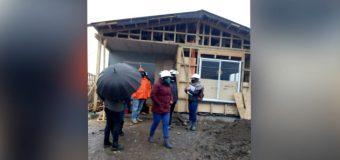 """Comité de vivienda en Neltume acusa insolvencia económica de constructora: """"Vamos a buscar otra empresa"""""""