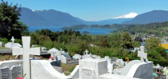 Llaman a programar visita a cementerio parroquial de Panguipulli ante orden de cierre por feriado