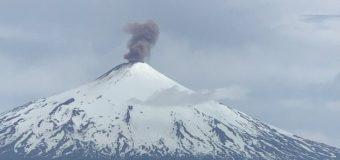 Nuevo pulso del Villarrica superó los 700 metros