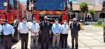 Bomberos de Puerto Fuy y Liquiñe reciben carros Forestales