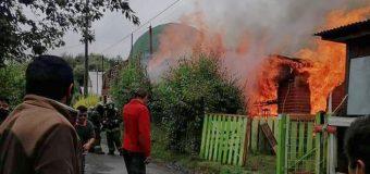 Incendio dejó 3 damnificados en Coñaripe