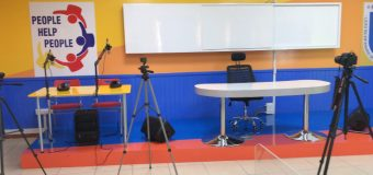Liceo Técnico Profesional Bicentenario de Excelencia People Help People de Panguipulli implementa moderna Sala Audiovisual