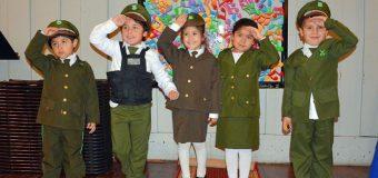 Escuela Rayito de Luz destaca trabajo con Carabineros en su día