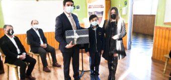Ayudarán a casi 90 estudiantes: CESS Panguipulli recibió donación de notebook´s reacondicionados