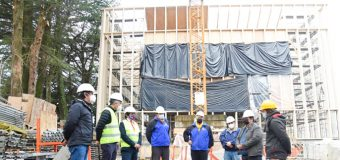Fiscalizan avance en obras del Teatro de Las Artes en Panguipulli y de la Infraestructura Sanitaria en Panguipulli Alto