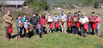 Artesanos de Liquiñe recibieron recursos del FOSIS